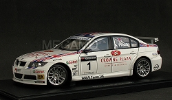 1/18 Autoart BMW e90 320si WTCC 2007 TEAM UK #1