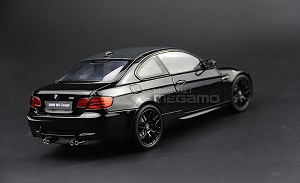 1/18 Kyosho BMW e92 M3 Coupe Black Special w/ M Kidney + Suitcase
