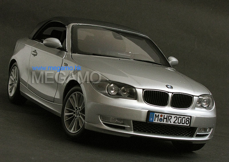 1 18 bmw dealer 2008 e88 1er 120i cabrio convertible silver kyosho. Black Bedroom Furniture Sets. Home Design Ideas