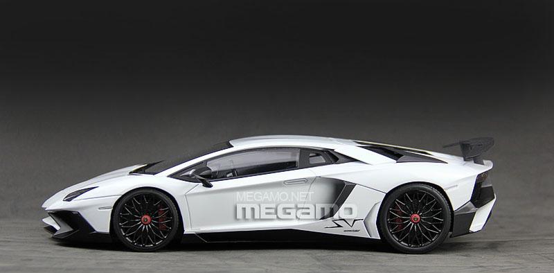 1 18 Kyosho Lamborghini Aventador Lp750 4 Sv Superveloce Red White