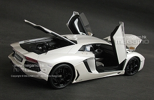 1/18 Welly FX Lamborghini Aventador LP700-4 Purple White Orange Carpet Floor