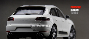 1/18 Minichamps Porsche Macan Turbo 2013 Black White Metallic Limited 1 / 504