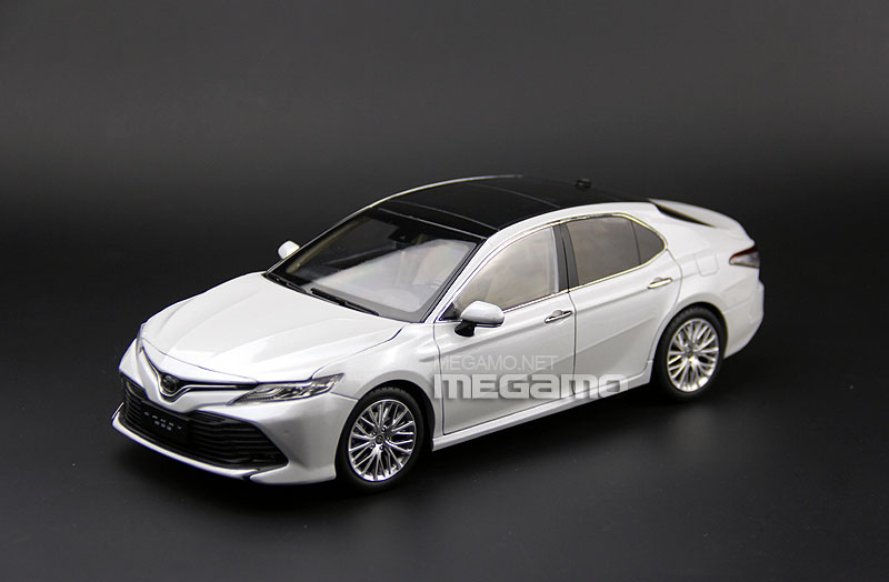 1/18 Toyota All New Camry 2018 White Blue Red Black ...