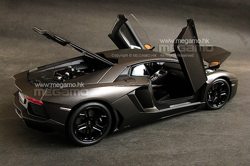 1/18 welly fx lamborghini