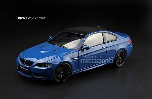 1/18 Kyosho BMW E92 M3 Coupe White Blue