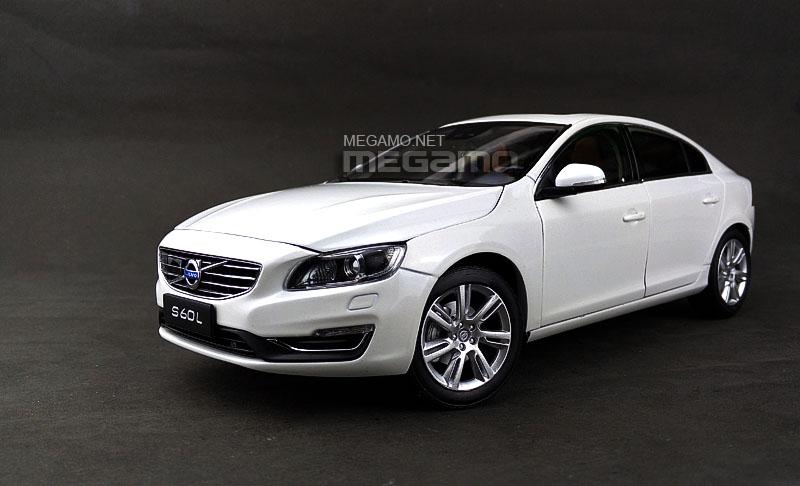 1/18 CSM Volvo All New S60 White Dealer Ed