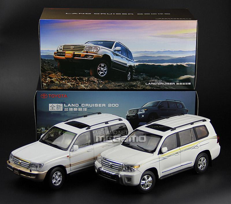 1/18 Toyota Land Cruiser LC200 2013 7 Seats White Dealer
