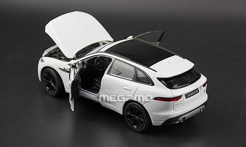 1/24 Welly FX Jaguar F-Pace