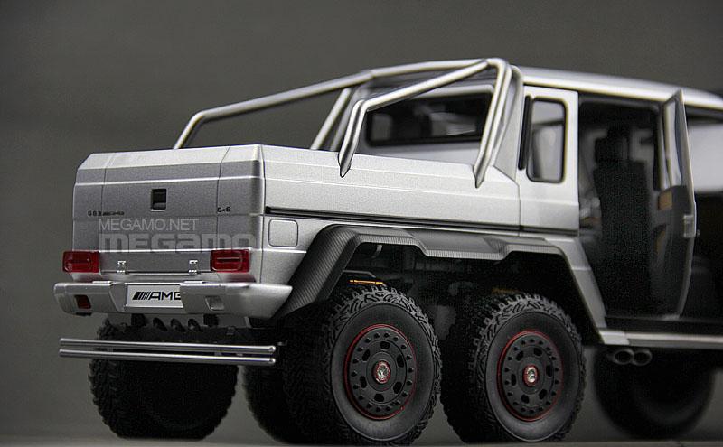 1 18 autoart mercedes benz g63 amg 6x6 silver full open 76301 for Mercedes benz g36 amg 6x6 price