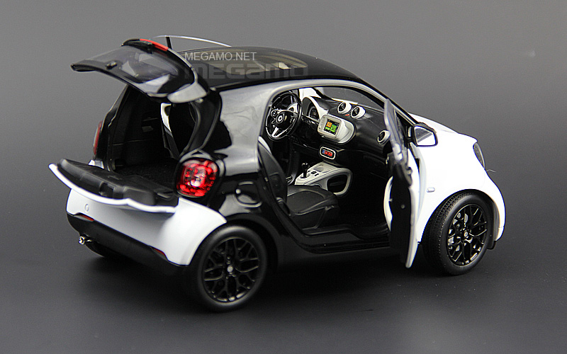 1/18 Norev Mercedes-Benz SMART fortwo C453 Black & White
