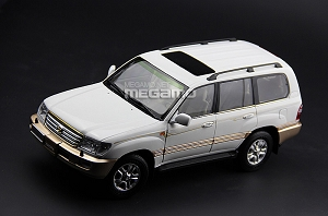 1/18 Toyota Land Cruiser LC100 7 Seats White Green