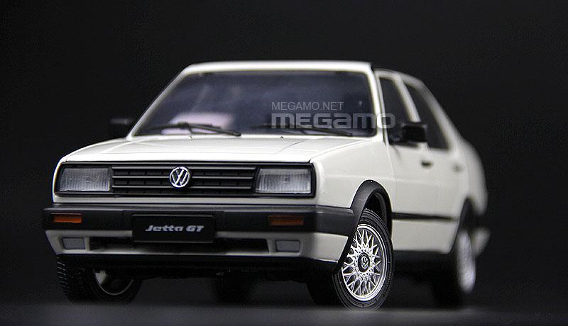 1 18 Volkswagen Vw 1984 Jetta Gt Mkii White Red Diecast